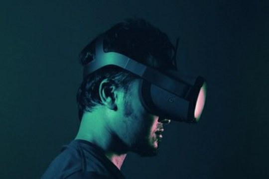 La realtà virtuale al servizio dei tirocini medici, per vivere a distanza la sala operatoria